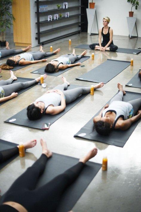 pia-le-cannu-yoga-photo-Melchior-Abeille-pour Asics-2
