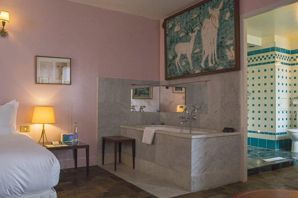 Hotel Grand Amour Rue De La Fidelite Boutique Hotel Et Restaurant