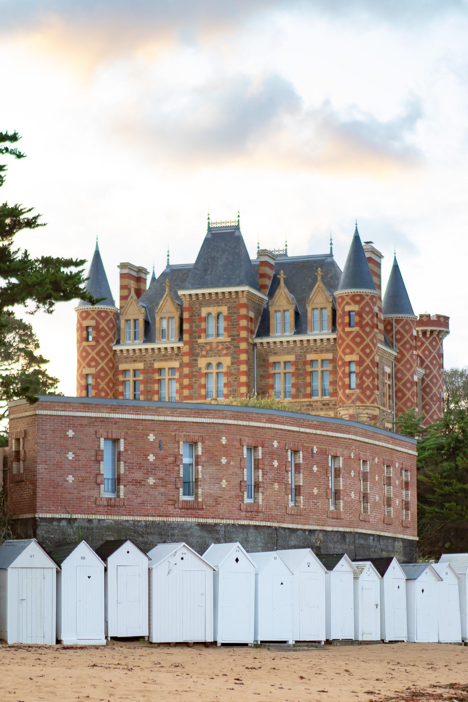 hotel chateau le nessay