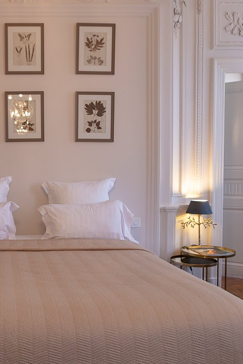 hotel-de-la-villeon-lisa-klein-michel