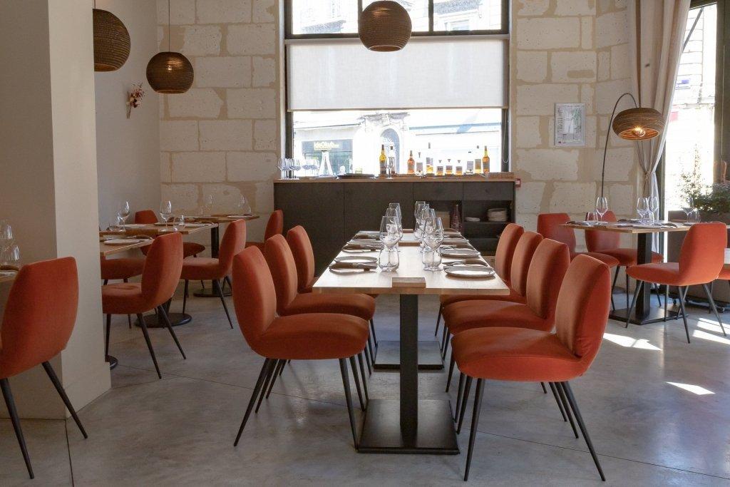 chaise restaurant bordeaux
